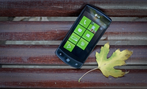 LG Optimus 7 – primul telefon cu Windows Phone 7 din Romania
